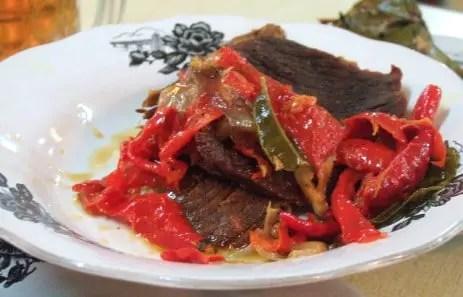 Ulasan tentang Makanan Dendeng Balado Tradisional Sumatera Barat yang enak