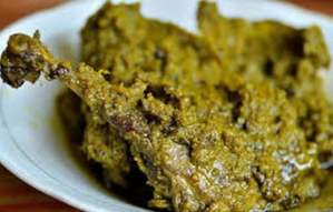 Ulasan tentang Makanan Gulai Itiak Tradisional Sumatera Barat yang banyak dicari