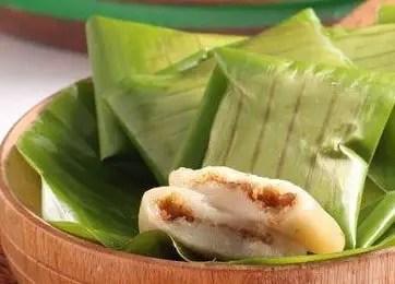 Uraian terkait dengan Makanan Kue Lepek Biniti Tradisional Bengkulu yang unik tampilannya