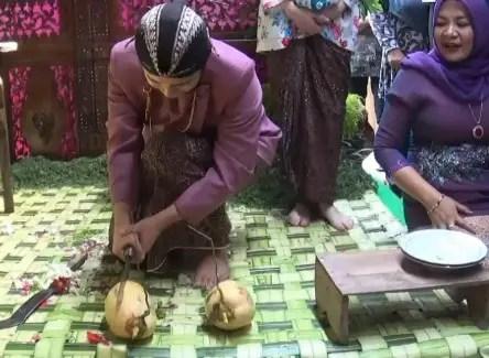 Info terkait Adat Istiadat Upacara Tingkeban Sunda yang banyak diketahui