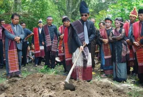Penjelasan tentang Adat Istiadat Mangongkal Holi Sumut