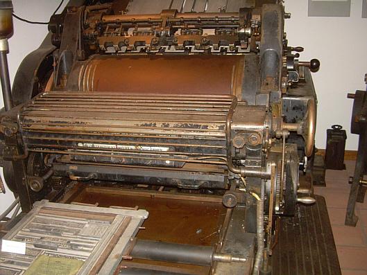 Eine alte Druckereimaschine