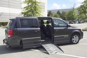 2015 Braun Side Entry for Dodge Grand Caravan Crew LTHR | Silver Cross Auto