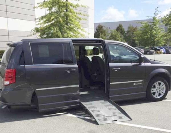 2015 Braun Side Entry for Dodge Grand Caravan Crew LTHR   Silver Cross Auto