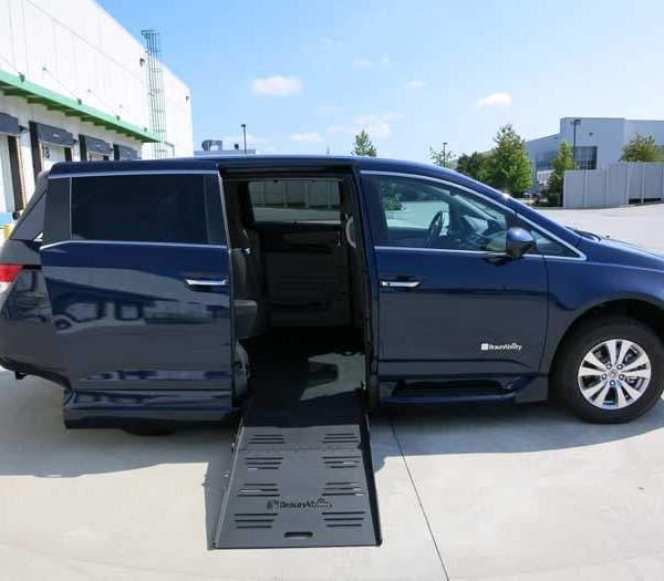 2015 Braun Side Entry for Honda Odyssey EX-L NAV | Silver Cross Auto