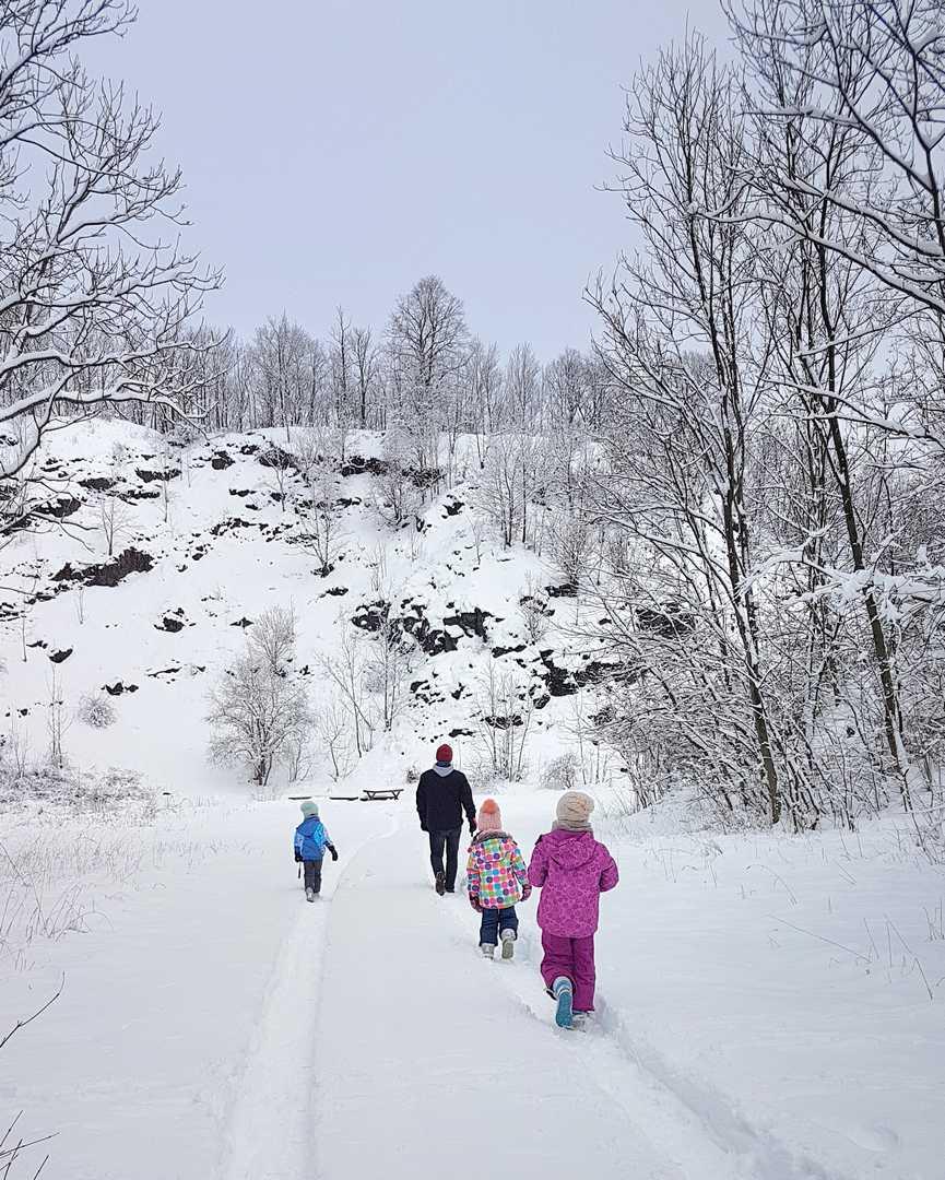 kamieniołom w Lubiechowej zimą