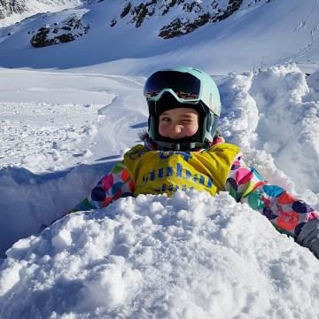 Pierwszy wyjazd na narty z dziećmi. Jak, kiedy i gdzie zacząć przygodę z nartami? Nasza historia