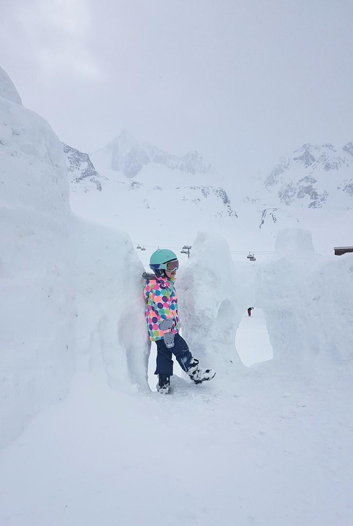 Narty z dziećmi - zabawy na śniegu