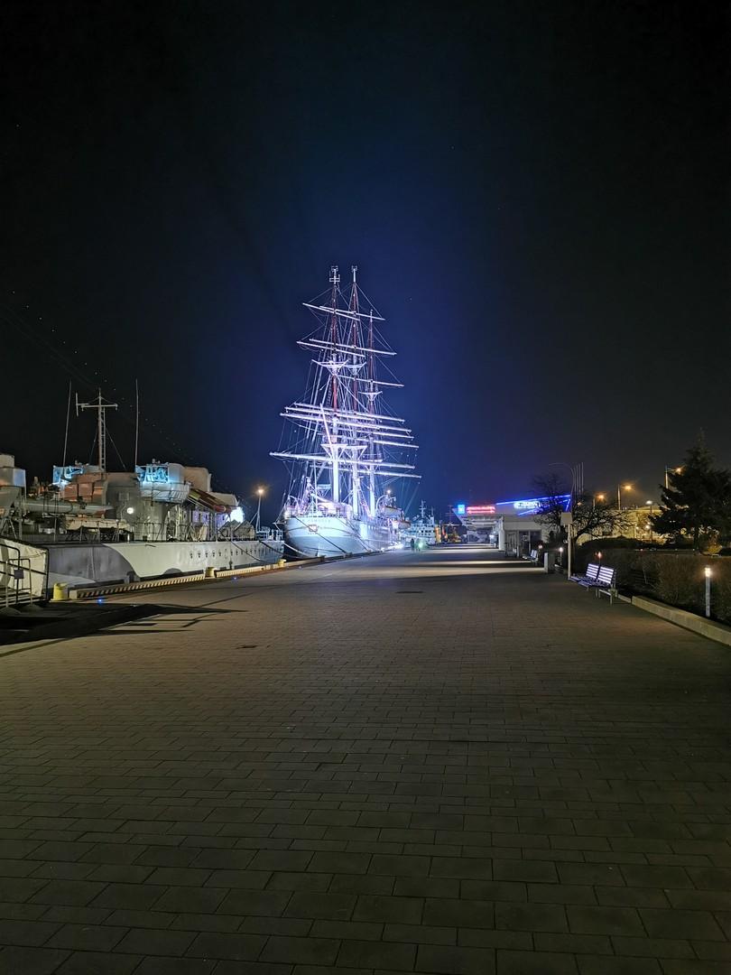 Molo Południowe o zmierzchu - Gdynia z dziećmi