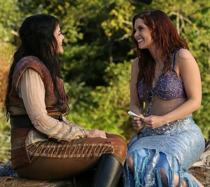 Ariel (JoAnna Garci Swisher) and Snow White (Ginnifer Goodwin) in Once Upon a Time Photo: ABC