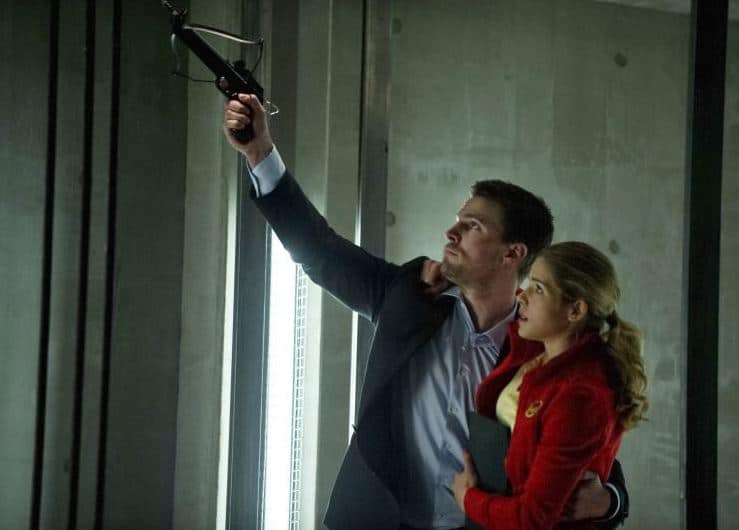 """Felicity and Oliver in """"Darkness on the Edge of Town."""" Photo: CW"""