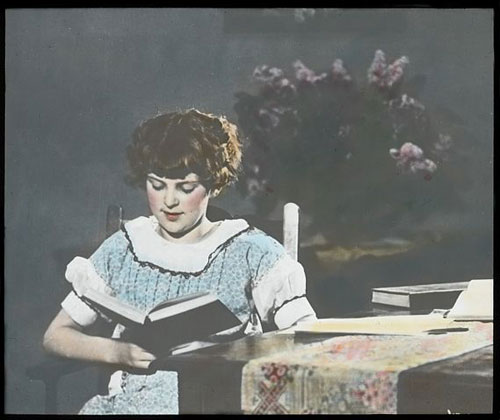 By Seattle Municipal Archives from Seattle, WA (Woman reading, 1930s  Uploaded by jmabel) [CC BY 2.0 (http://creativecommons.org/licenses/by/2.0)], via Wikimedia Commons