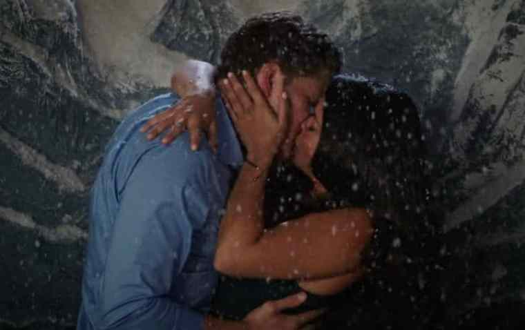 Michael and Jane kiss in Chapter Twenty-Six of Jane the Virgin.