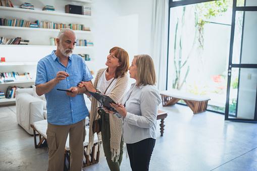 Adapter votre logement actuel ou changer de logement?