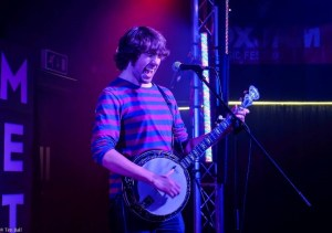 Picture of Dan Walsh with his Banjo