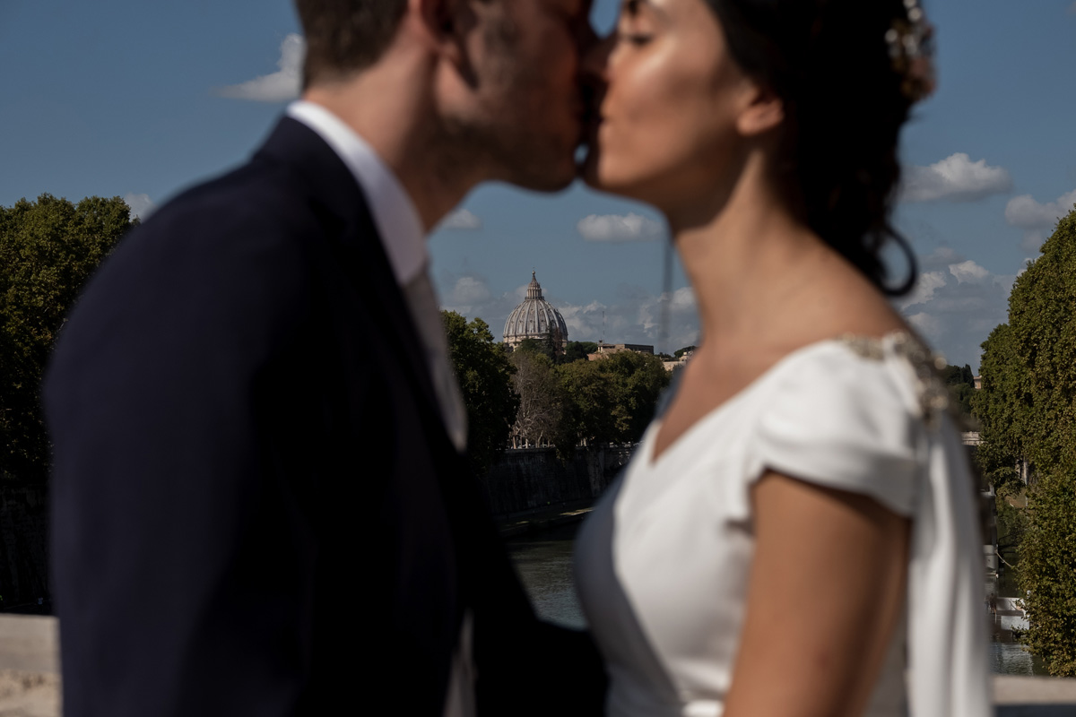 COUPLE PHOTO SESSION IN ROME