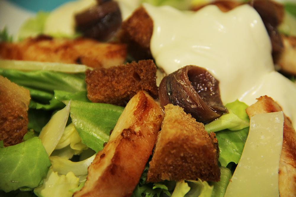 Cómo preparar ensalada césar en casa