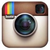 Red Social programa para compartir fotos con la que los usuarios pueden aplicar efectos fotográficos como filtros, marcos o colores y que pueden compartir en diferentes redes sociales como Facebook, Tumblr, Flickr y Twitter.
