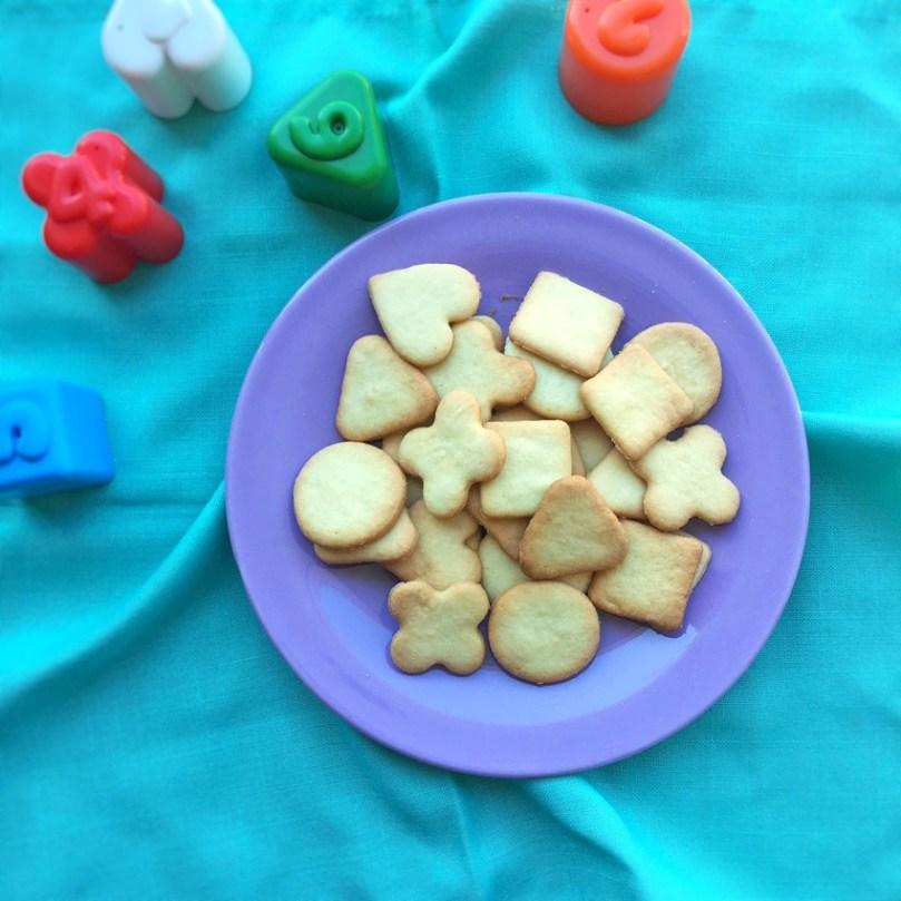 Una pasta frolla senza burro per i biscottini dei bambini.