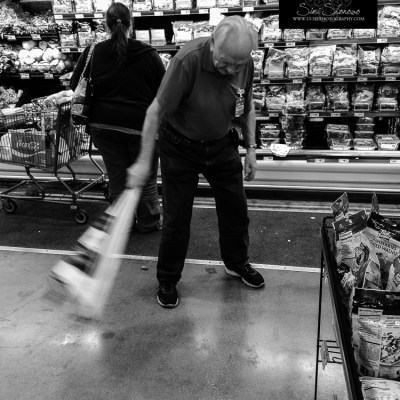 {day 328 mobile365 2016… cleanup in produce}