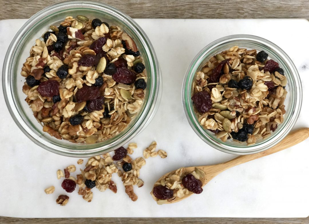 Homemade Fruit & Nut Granola: An Easy Make-Ahead Breakfast