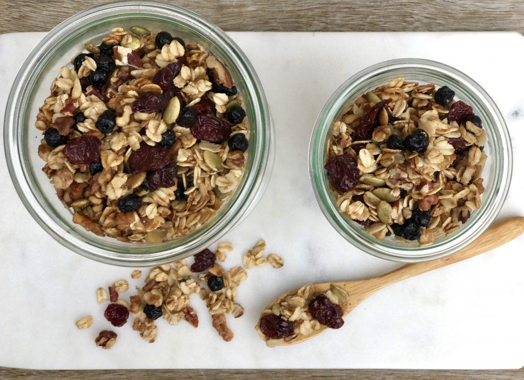 Homemade Fruit & Nut Granola: An Easy Make-Ahead Breakfast