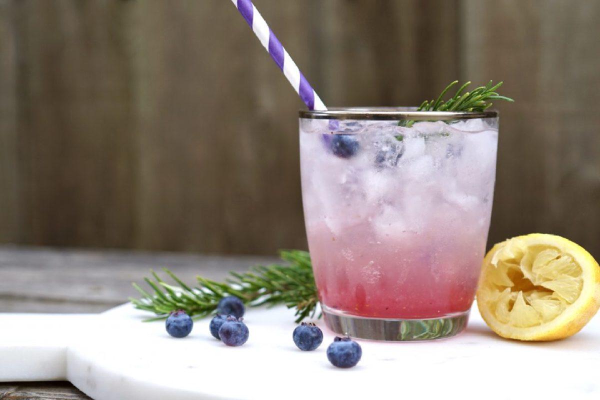 blueberry-rosemary lemon mocktail