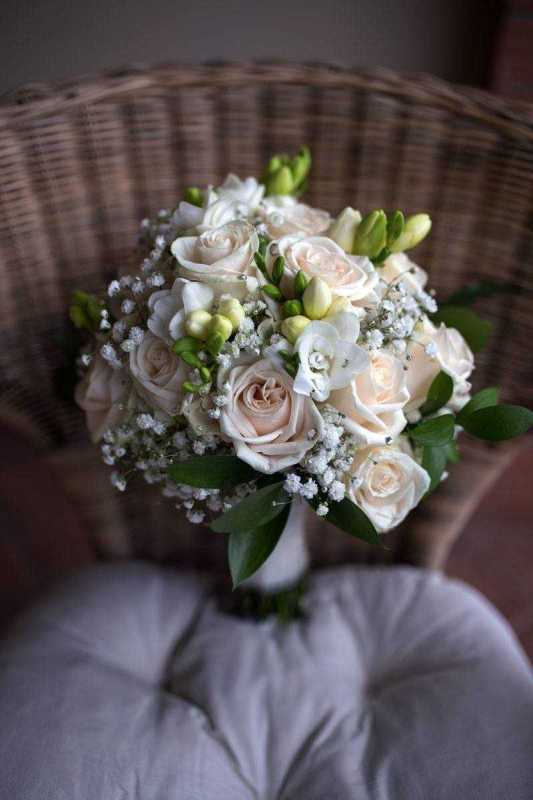 bouquet romantico rose bianco simmi