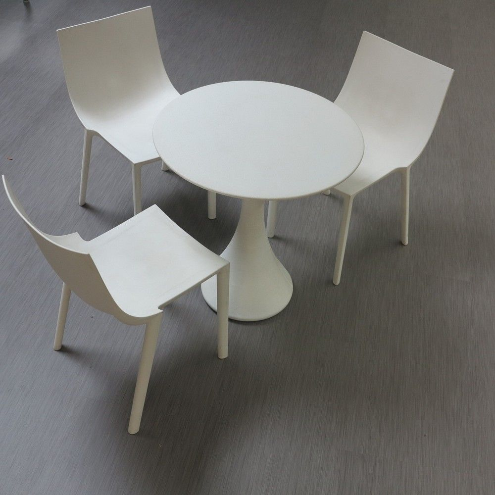 chaises et table driade philippe starck