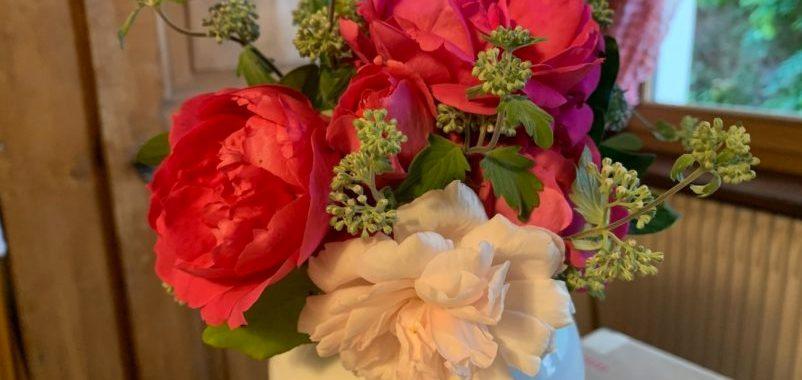 Bouquet de septembre Ronnie roses et caryoptéris