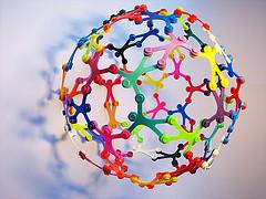 """""""Iles de Paix"""" modular polyhedra"""