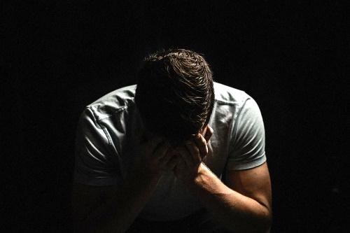 Simpatia para afastar a miséria da sua vida
