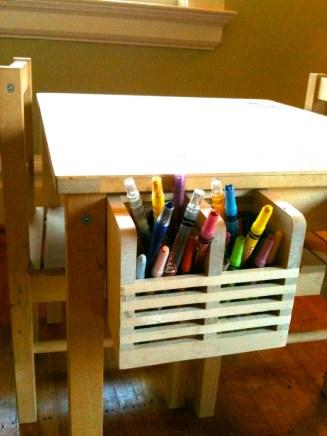 28 Organize art supplies in a utensil holder 2 via simphome