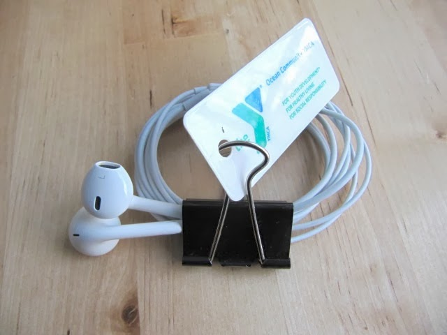 simphome earbud and clips