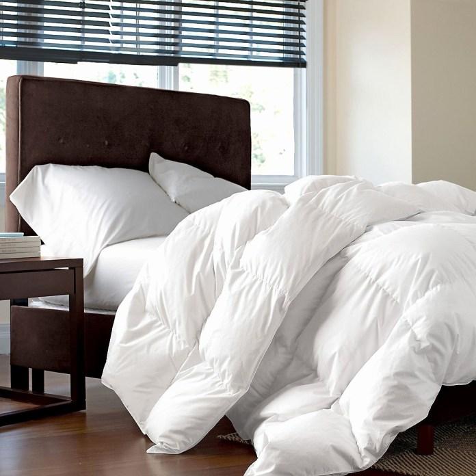 Create Comfy Bedroom via SIMPHOME.COM