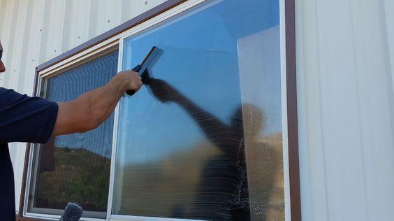12 Keep your window clean via simphome