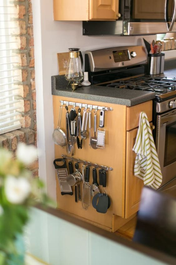307 2 DIY Projects for cluttered kitchen Side of Cabinet Storage via simphome