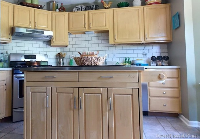 32 faux subway tile painted backsplash1