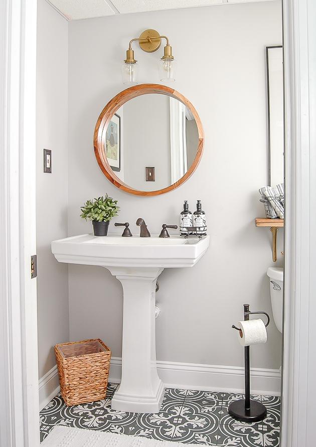 4 Gray and White Vintage Bathroom via simphome