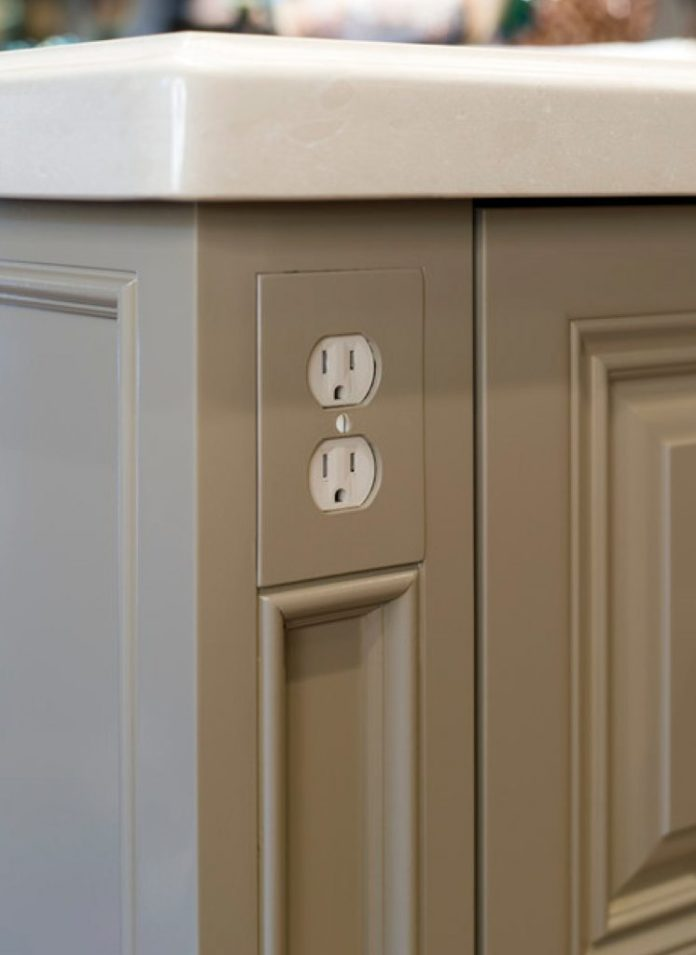 4 Kitchen power outlet Simphome