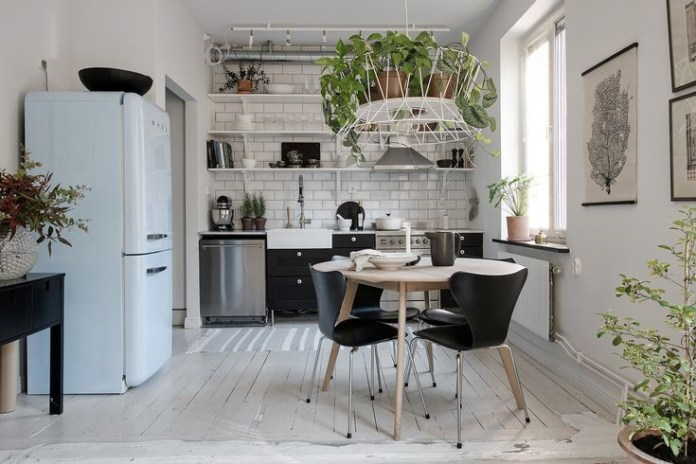 4 Add Greenery to your kitchen via simphome