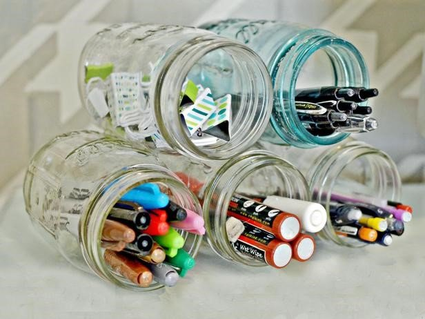 10 Mason Jar Pen Holder via Simphome