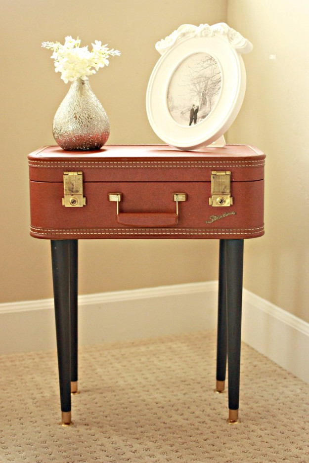 3 Vintage Nightstand via Simphome