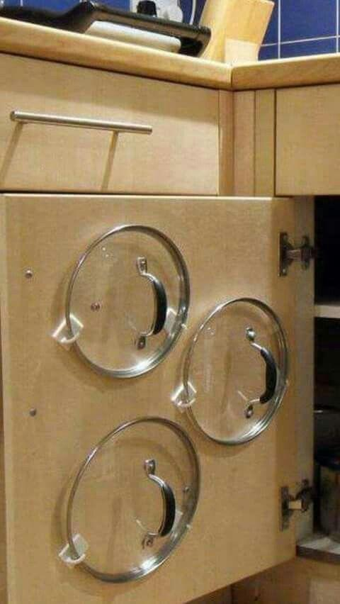 6 Command Hooks to Hold the Pot Lids in Place via simphome