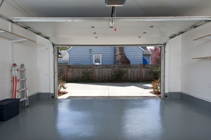 10. Get Your Garage Empty via Simphome