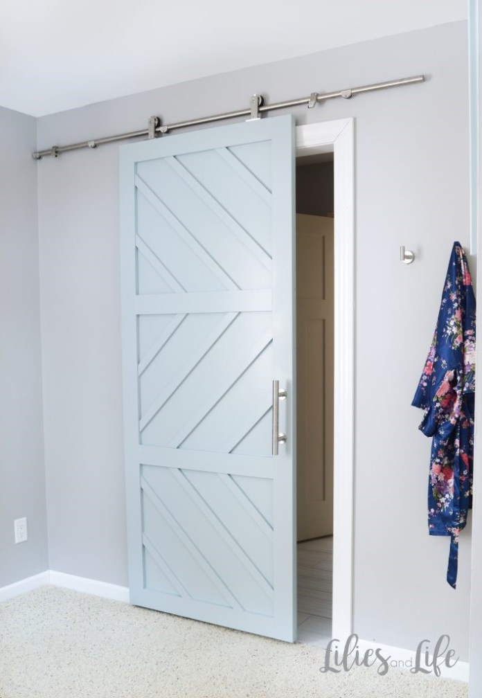 7. Splendid Barn Door Idea via Simphome