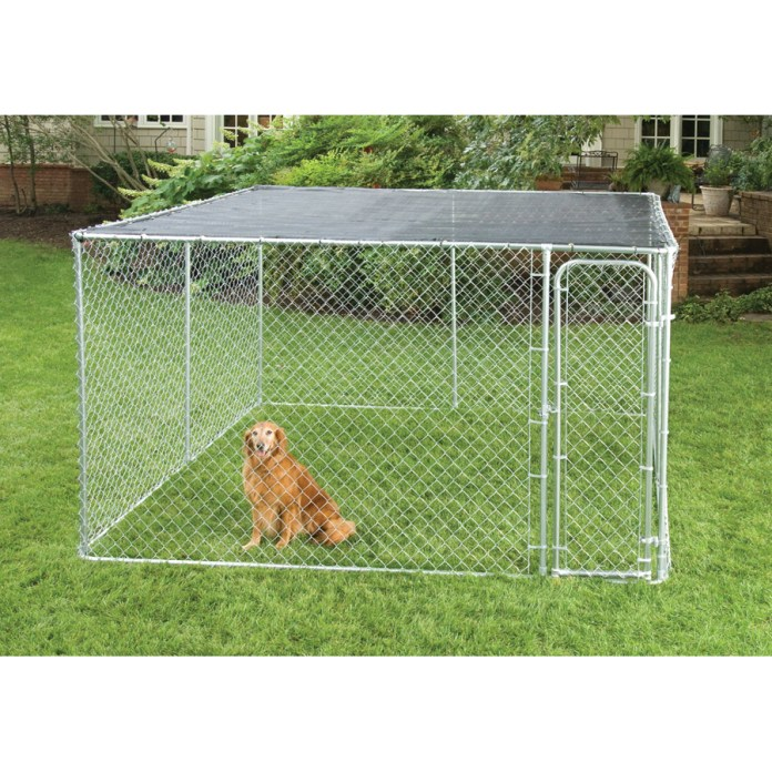 20.stunning backyard dog fence kennel via SIMPHOME.COM