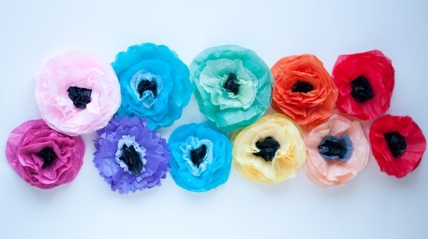 4. DIY Tissue Flowers via SIMPHOME.COM