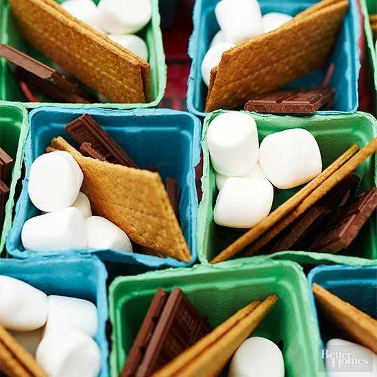 14.SIMPHOME.COM DIY Snacks with S'mores