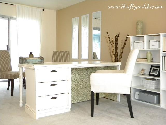 3. SIMPHOME.COM Fancy Desk on a Budget